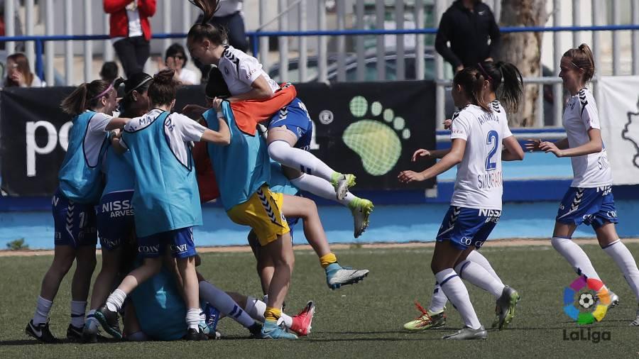 0c1068e9fc9d2 El equipo aragonés venció al Athletic en el Pedro Sancho y se mantiene vivo  en la lucha por la salvación.